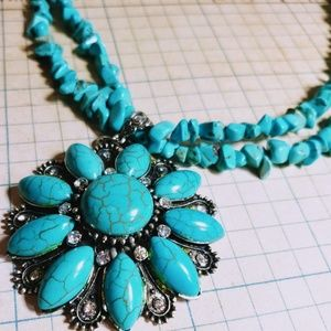 Jewelry - Beautiful Turquoise Necklace